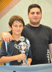 Len Raake und Coach Onur Dillioglu